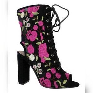 Shoes - 2X HP  Ladies fuschia/black floral lace-up bootie